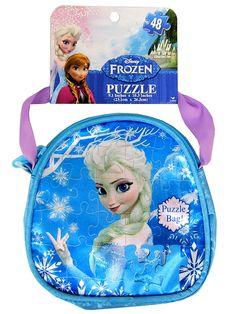 Frozen-palapeli laukussa (48 palaa). Suloinen Frozen-käsilaukku kätkee sisäänsä lumoavan Elsa-palapelin. Palapelissä on 48 palaa, ja sen mitat ovat noin 23 x 26 cm.