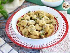 [ TORTELLINIS ] Une recette italienne à faire pas à pas avec Ptitchef, ça vous dit ? Tentez nos tortellinis au parmesan, jambon et basilic ! Une pâte et une farce faciles, car le fait maison est toujours meilleur ;-)