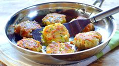 Here's an easy way to get your kids to eat their veggies! But first, get them to make these tasty potato, carrot and marrow cakes with you. Veggie Cakes, Vegetable Cake, Vegetable Side Dishes, Carrot Recipes, Baby Food Recipes, New Recipes, Favorite Recipes, Vegetarian Meals For Kids, Kids Meals