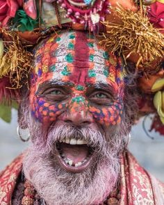 May we all be in happiness and celebrate life with colors and LOVE 🌈Such an incredible portrait of a sadhu,Pashupatinath, Kathmandu, Nepal… Tribes Of The World, People Around The World, Cultures Du Monde, World Cultures, Beautiful World, Beautiful People, Amazing Photography, Portrait Photography, Photography Magazine