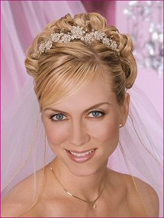 hair with tiara and veil