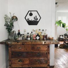 Decoration Bedroom, Vintage Home Decor, Vintage Bar, Vintage Industrial, Vintage Apartment Decor, Unique Home Decor, Antique Bar, Antique Decor, Vintage Wood