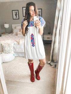 Hunter boats outfit casual rainy days 37 ideas for 2019 Rainy Day Outfit For Spring, Cute Rainy Day Outfits, Summer Outfits For Moms, Rainy Day Fashion, Spring Outfits, Outfit Of The Day, Outfit Summer, Outfits Casual, Fashion Outfits