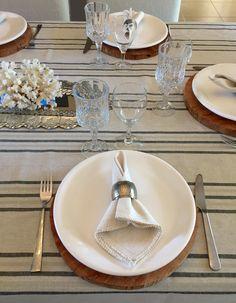 Mantel rayado de lino de algodón, con puntilla de hilo, exclusivo de La Tienda Deco&Ideas.