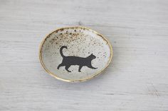 Hand+built++White+Speckled++shallow+Bowl+with+Cat+Decal+and