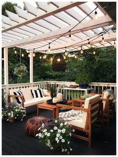 20 coole Pergola-Beleuchtungsideen für die besten Sommernächte You are in the right place about patio layout Here we offer you the most beautiful pictures about the concrete patio you are looking for. Backyard Patio Designs, Backyard Landscaping, Backyard Ideas, Landscaping Ideas, Garden Ideas, Backyard Projects, Back Yard Patio Ideas, Back Deck Ideas, Back Porch Designs