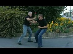 ▶ Krav Maga Real Life Situation Techniques (parte1de13) - YouTube