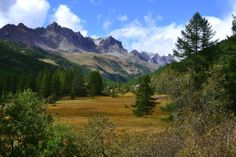 Valee de la Claree, French Alps on a sunny day last September [2246x1498]