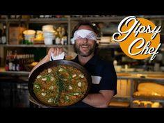 La paella más auténtica de Gipsy Chef - YouTube Chefs, Paella Valenciana, Cauliflower Recipes, Couscous, Sausage, Picnic, Keto, Healthy Recipes, Ethnic Recipes