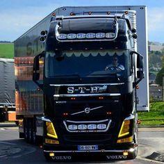 Volvo Trucks Scania V8, Truck Paint, Swedish Brands, Volvo Trucks, Optimus Prime, Semi Trucks, Caravans, Cool Trucks, Heavy Equipment