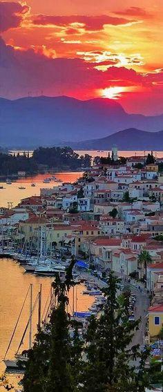 Entre tu historia y tus paisajes me pierdo Grecia y empiezo a soñar <3 Poros Island, Greece