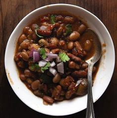 Vegetarian Chili - I tried this today. It was soooooo good! I did not use Naga jalokia peppers. Those are way too hot for me. The best way to eat this is to add tortilla chips + cheese (I used sharp cheddar) at the bottom of the bowl and then add the chili. Yum! #healthy