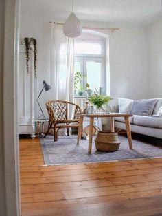 Fantastisch Natürlich Wohnen: Das Wohnzimmer Mit Liebevollen Details Ausstatten, Den  Holzboden Naturbelassen Und Einige Schöne