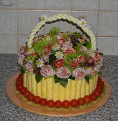 Deli Platters, Meat Trays, Party Food Platters, Salty Foods, Sandwich Cake, Food Displays, Food Crafts, Food Humor, Appetisers