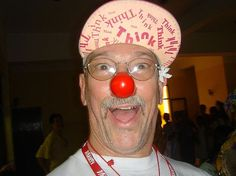 """Hunter Doherty """"Patch"""" Adams is an American physician, social activist, clown and author. He founded the Gesundheit! Institute in Patch Adams, Think Thin, Social Activist, Crazy People, Patches, Humor, Shit Happens, Chronic Pain, Nurses"""