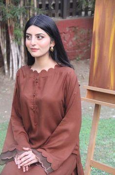 Fancy Dress Design, Stylish Dress Designs, Pakistani Fashion Casual, Pakistani Dresses Casual, Neckline Designs, Dress Neck Designs, Designer Party Wear Dresses, Kurti Designs Party Wear, Beautiful Pakistani Dresses