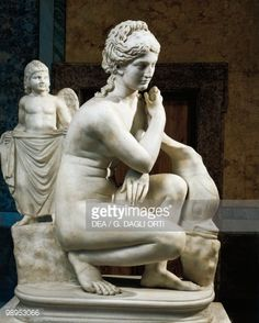 Stock Photo : Marble statue of Aphrodite bathing, Copy from Greek bronze original by Doidalsas