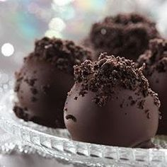 OREO Cookie Balls - no baking! Easy to make, easy to serve, with rave reviews!