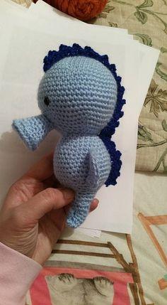 Seahorse made by Lisa Hilton pattern by Juffrouw Hutsekluts