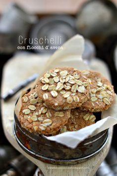 PANEDOLCEALCIOCCOLATO: Biscotti integrali…i Cruschellli di Rossella con fiocchi d' avena
