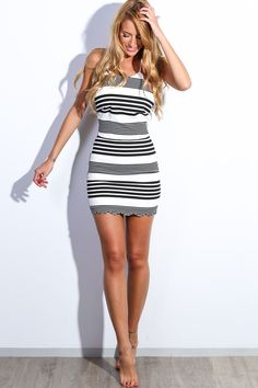 Black and white bodycon dress. Back visible zip. Miami Outfits, Sexy Outfits, Cool Outfits, Tight Dresses, Sexy Dresses, Elegant Girl, Women Legs, Hot Dress, Beautiful Legs