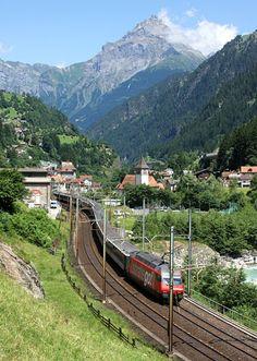"""Schweizerische Bundesbahnen (SBB) / Chemins de fer fédéraux suisses (CFF) / Ferrovie Federali Svizzere (FFS), Re 460 038 """"Hauenstein"""", Gurtnellen (UR)"""