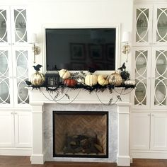 Halloween mantle - 20 Ways to Decorate for halloween - Halloween Home Tour