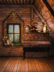 Drewniane poddasze ze starym pianinem