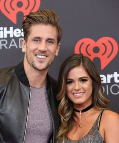 JoJo Fletcher & Jordan Rodgers Reveal When They're Getting Married+ Yah! I somehow love these two people that I've never met! Ombre Hair, Balayage Hair, Honey Dipped Hair, Jojo Fletcher Jordan Rodgers, Hair Inspo, Hair Inspiration, Jojo And Jordan, Hair Romance, Fall Hair