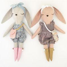 Sister bunnies