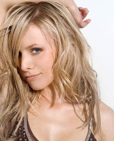 All our Kristen Bell Pictures, Full Sized in an Infinite Scroll. Kristen Bell has an average Hotness Rating of between (based on their top 20 pictures) Kristen Bell, Jennifer Lawrence, Divas, Kirsten Dunst, Long Layered Hair, Blonde Women, Fine Hair, Beautiful Actresses, Hair Looks