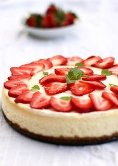 #strawberry #cheesecake http://homemade-gift.org/strawberry-cheesecake/