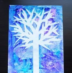 Crafty kids will go crazy for this Winter Wonderland Watercolor.  Gather up the family and create this free Christmas craft - it looks so good you'll want to display it all year.