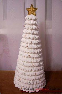 Новогодняя елка своими руками, новогодняя елка из ткани, как сделать новогоднюю елочку своими руками, елка из конфет, мастер-классы по изготовлению елок.. Фото №33