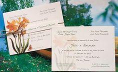 A @justbeedesign fez o #convite do #casamento de Julia e Alexandre, seguindo o amarelo que a #noiva tanto queria na decoração!💛💛💛Vem ver os detalhes da festa: www.constancezahn.com💻#convitedecasamento #wedding #czriodejaneiro