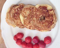 Appel pannenkoeken Healthy Recepies, Healthy Snacks, Beignets, Breakfast Dessert, Food Inspiration, Italian Recipes, Brunch, Food And Drink, Low Carb