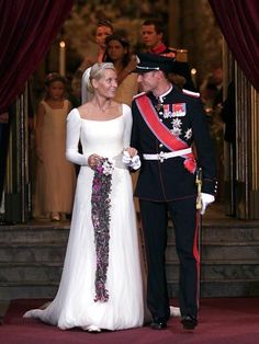 Royalty Fashions-Wedding of Crown Prince Haakon and Crown Princess Mette-Marit of Norway 2001