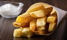 XL-Pfannen-Pommes-frites mit Dip  