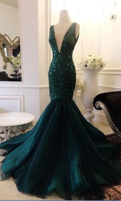 Plunging Neck Mermaid Atrovirens Prom Dress with Sequin Appliques Lace V Back Evening Dress M1902
