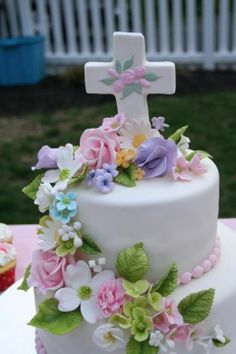 This is a cake I made for my god daughters first communion. I made the cross and the flowers from gumpaste First Holy Communion Cake, Holy Communion Dresses, Communion Gifts, First Communion Decorations, Religious Cakes, Themed Cakes, Beautiful Cakes, Cake Decorating, Cake Central