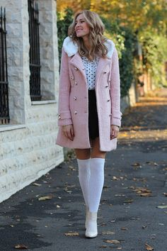 Winter date night outfit. 15 winter preppy outfit ideas for Winter Outfits For Teen Girls, Preppy Winter Outfits, Winter Date Night Outfits, Winter Outfits Women, Date Outfits, Winter Fashion Outfits, Look Fashion, Stylish Outfits, Fashion Models