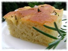 Focaccia-leipä | Kinuskikissa – Suomen suosituin leivontayhteisö Bread Baking, Scones, Food Inspiration, Mashed Potatoes, Good Food, Goodies, Food And Drink, Rolls, Cooking
