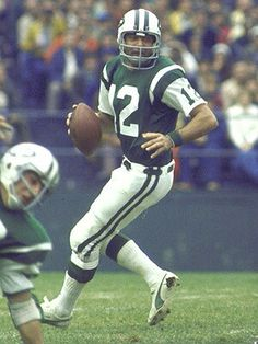 Joe Namath - New York Jets - he is the greatest Jet of all time Jets Football, School Football, Alabama Football, Football Players, Football Pics, American Football League, National Football League, Nfl Uniforms, Joe Namath