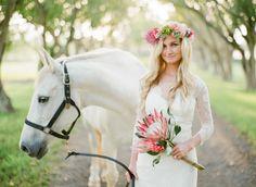 gorgeous white horse at wedding. Pin courtesy of Wedding Chicks Horse Wedding, Daisy Wedding, Flower Crown Wedding, Wedding Pics, Wedding Styles, Wedding Flowers, Dream Wedding, Wedding Bouquets, Protea Wedding