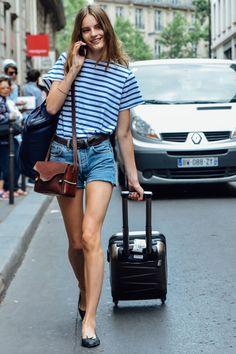 senyahearts: Models Off Duty: Tilda Lindstam by Tommy Ton - Fall 2015 Couture, Paris Mehr - Matthias Leister - Modetrends Fashion Moda, Fashion Week, Paris Fashion, Girl Fashion, Fashion Trends, Style Fashion, Fashion 2017, Models Off Duty, Style Couture