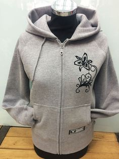 #Floral #designs always popular and looks great and #stylish, specially on #Hoody. If you can #draw your #design, just bring it to us and we convert it in a nice print. Or you can always find nice images in Internet.  #Flock print looks like #velvet and very nice when you touch it.  #customprint #customprinting #customprintedshirts #hoodie #hoody #hoodyprint #hoodydesign #hoodyprinting #prsonalisedshirt #personalisedhoody #savagelondon #floraprint #flora #flock #flockprint