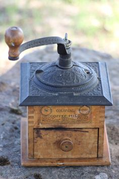 antique coffee grinder…cute decoration!