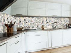 Kitchen Cabinets, Ceramics, Home Decor, Products, Floating Floor, Dinner Room, Velvet, Ceramica, Pottery