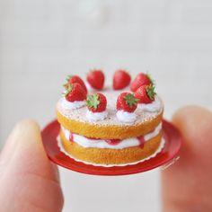 2018.05 Miniature Strawberry Cake Dollhouse ♡ ♡ By Heavenly Cake
