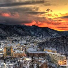 Winter in Brașov - the most beautyful city in the word! Brasov Romania, Fire Heart, Medieval Town, Eastern Europe, View Image, Paris Skyline, Around The Worlds, Adventure, Sunset